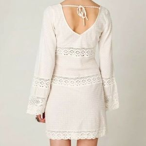 Free People Dresses - Free People On the V Crochet White Tunic XS